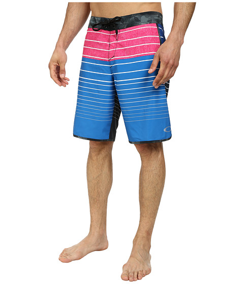 Oakley - Blade Straight-Edge Boardshort (Electric Blue) Men
