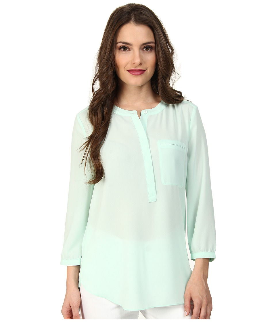 NYDJ Petite - Petite Solid 3/4 Sleeve Pleat Back (Celedon) Women's Long Sleeve Pullover