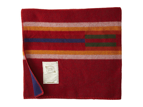 Woolrich - Morning Star Throw (Red) Blankets