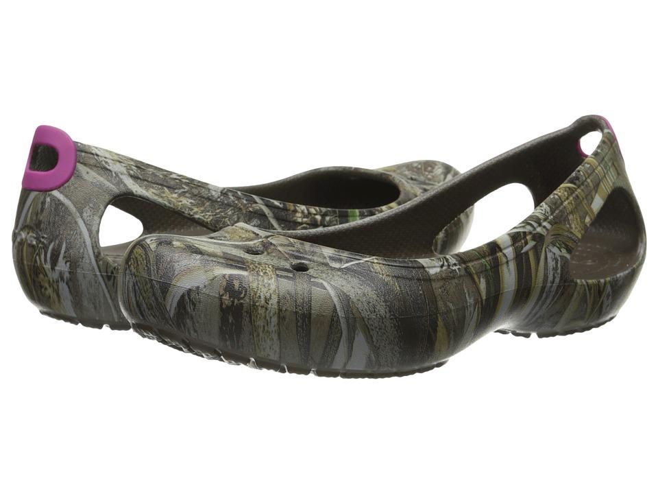 Crocs - Kadee Flat Realtree Max-5 (Chocolate/Berry) Women's Flat Shoes