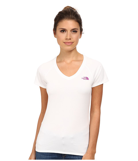 The North Face - S/S Reaxion Amp V-Neck Tee (TNF White/Magic Magenta) Women's T Shirt