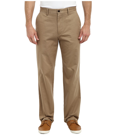 Dockers Men's - Game Day Khaki D3 Classic Fit Flat Front Pant (California - New British Khaki) Men's Casual Pants