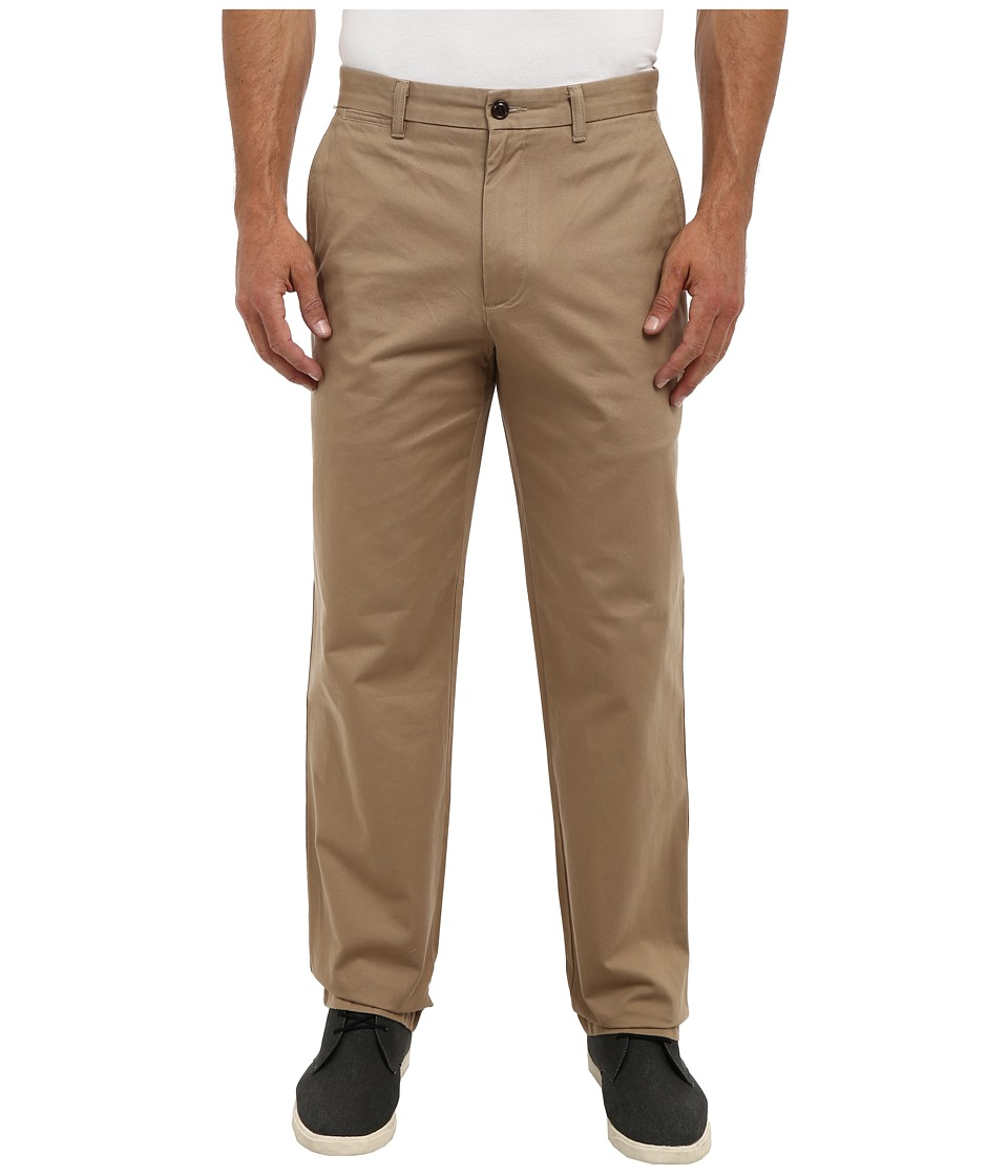 Dockers Men's - Game Day Khaki D3 Classic Fit Flat Front Pant (Nebraska - New British Khaki) Men's Casual Pants