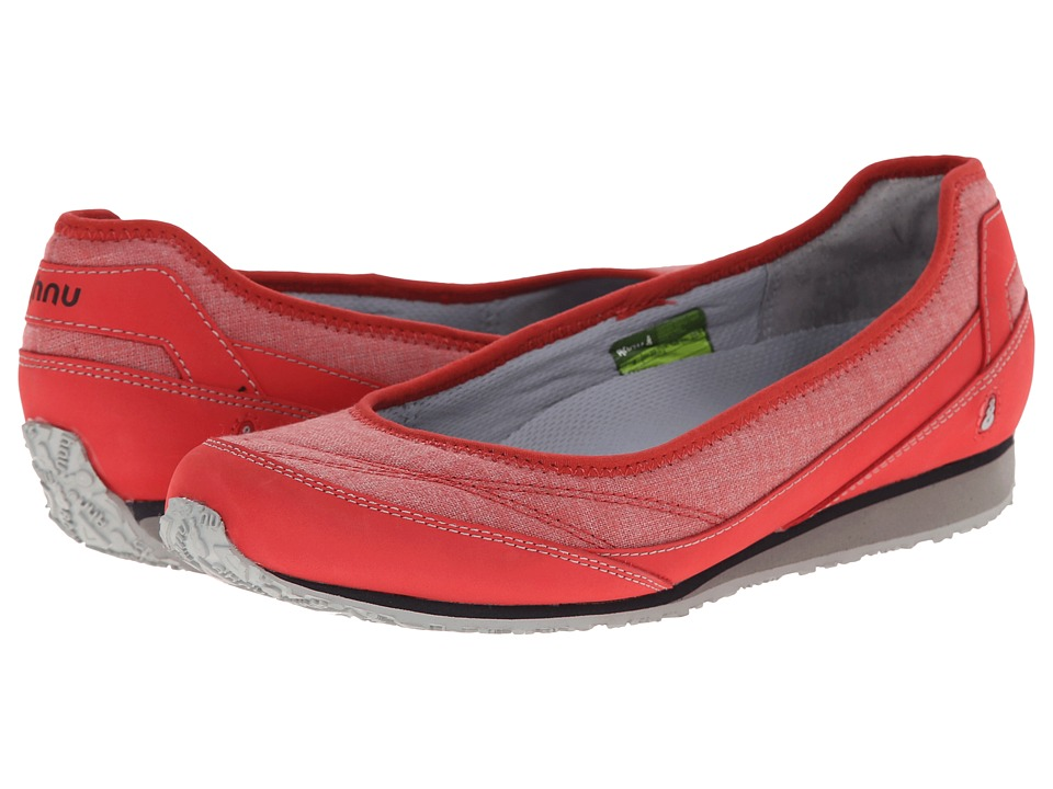 Ahnu - Magnolia (Cranberry) Women's Flat Shoes