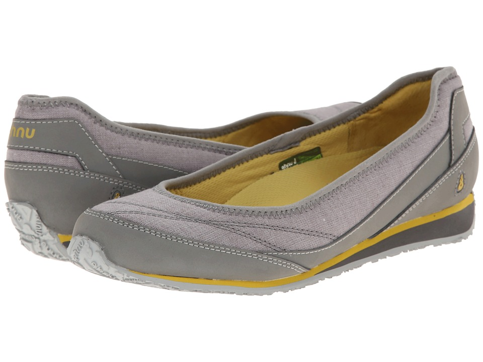 Ahnu - Magnolia (Moon Mist) Women's Flat Shoes