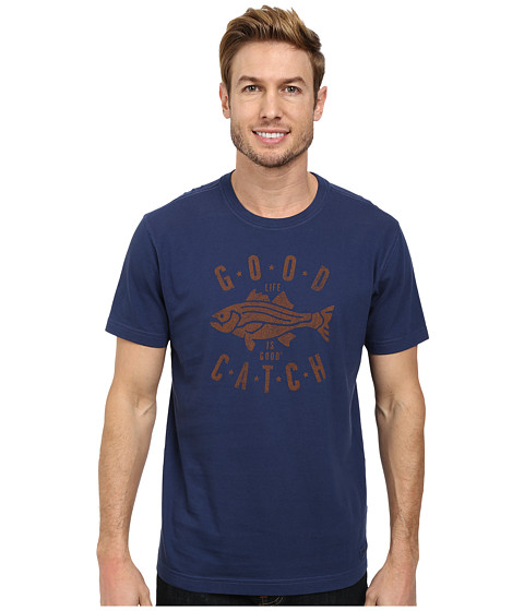 Life is good - Good Catch Fish Crusher Tee (Darkest Blue) Men's T Shirt
