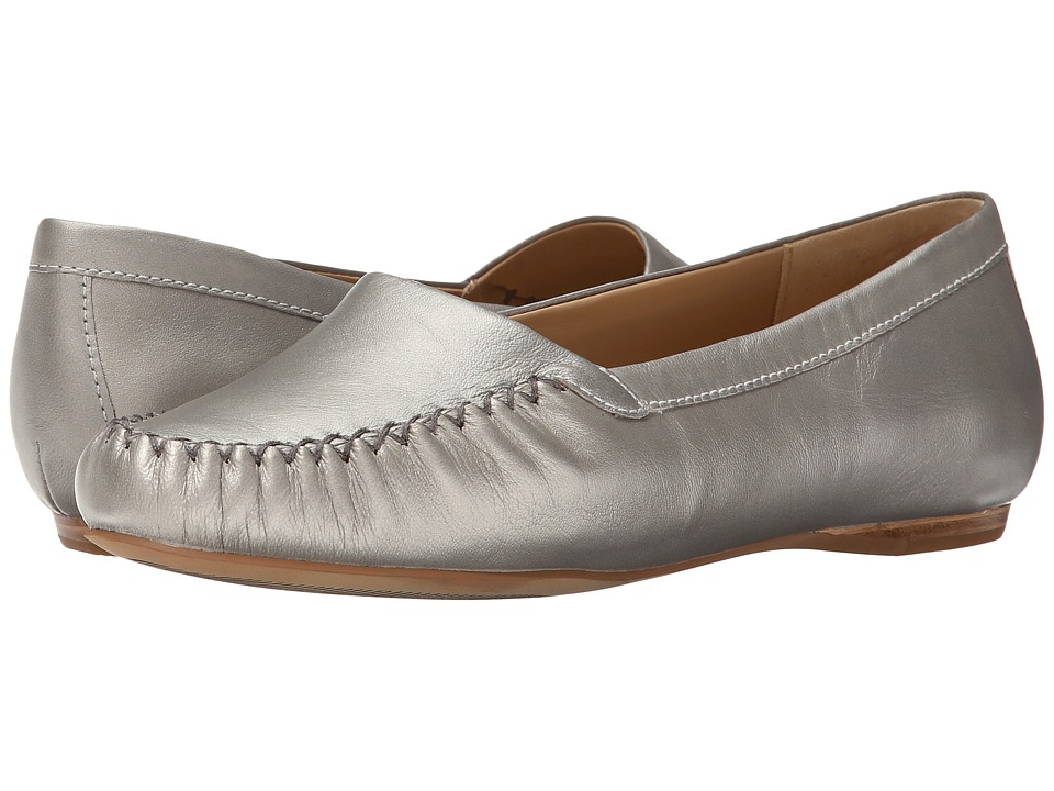 Trotters - Mila (Silverwash Metallic Soft Nappa Leather) Women's Slip on Shoes