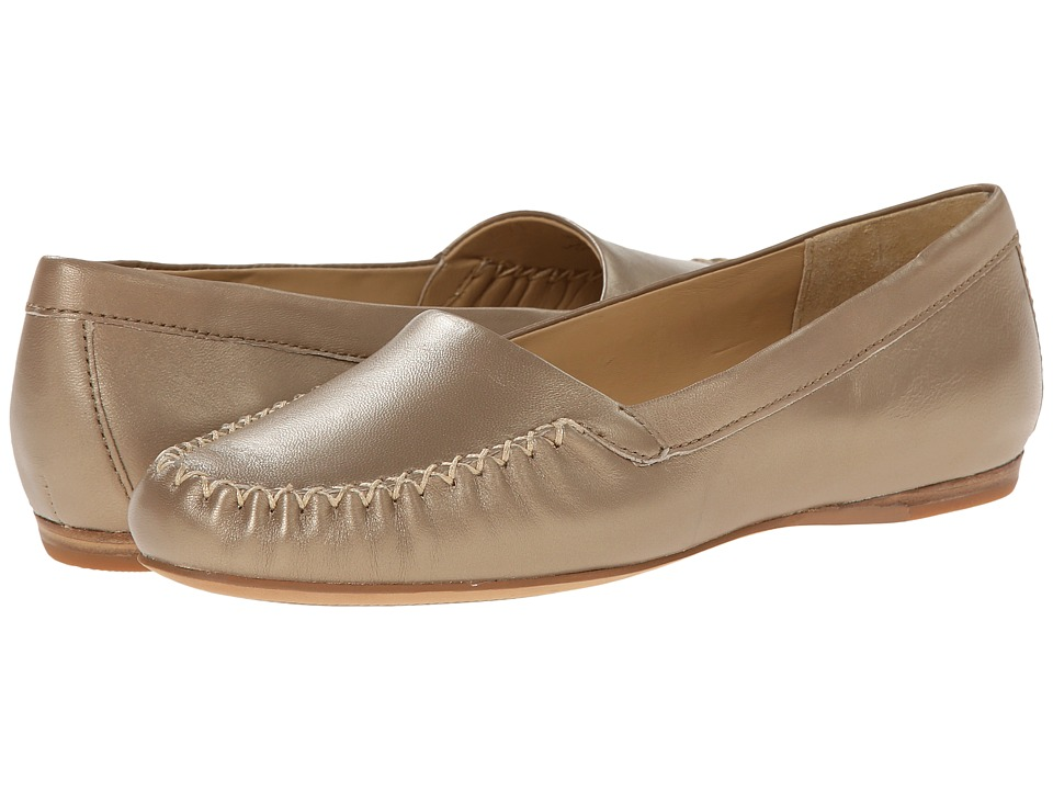 Trotters - Mila (Goldwash Metallic Soft Nappa Leather) Women's Slip on Shoes