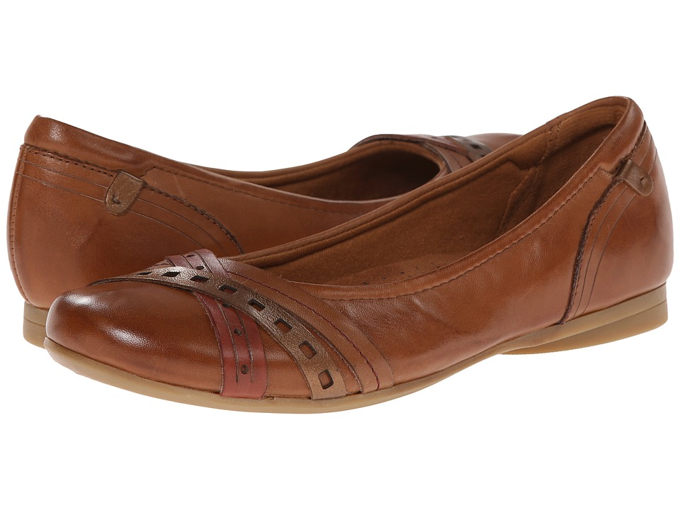 Rockport Cobb Hill Collection - Ella (Tan) Women's Slip on Shoes