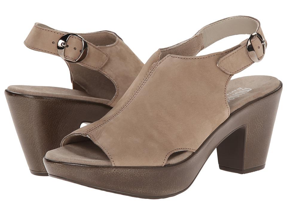 Munro Kirsten (Sand Nubuck) High Heels