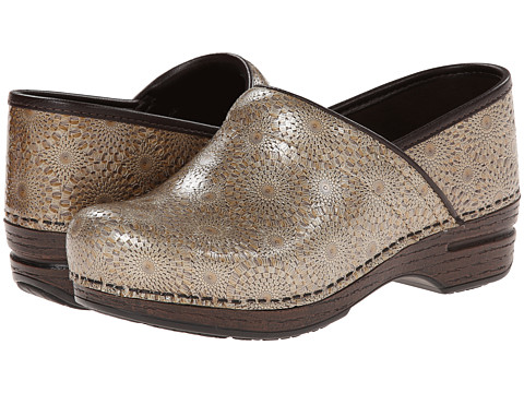 Dansko - Pro XP (Bronze Medallion) Women's Clog Shoes