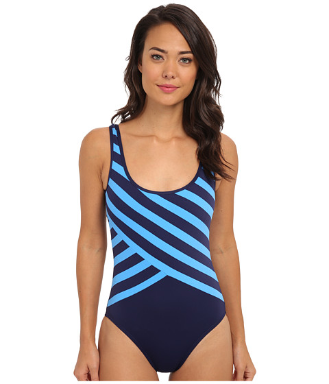 DKNY - Essential Perks Spliced Scoop Back Maillot One-Piece (Currant) Women