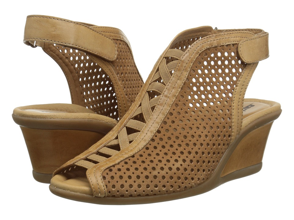 Earth - Calla (Camel Suede) Women's Wedge Shoes
