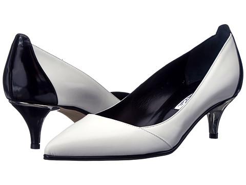 Oscar de la Renta - Azelia 45mm Kitten Heel Pump (Black/White Matte Patent) Women's 1-2 inch heel Shoes
