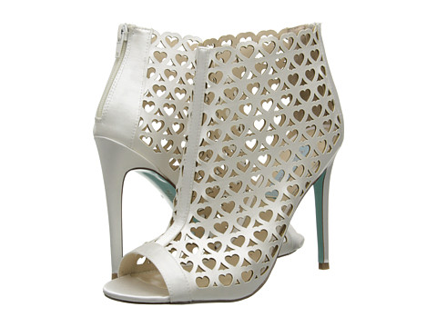 Blue by Betsey Johnson - Token (Ivory) High Heels