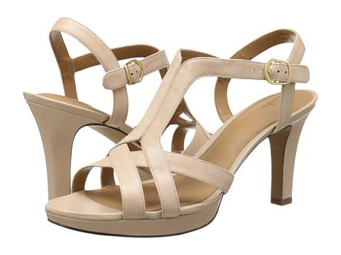 Clarks - Delsie Risa (Nude Leather) Women's 1-2 inch heel Shoes