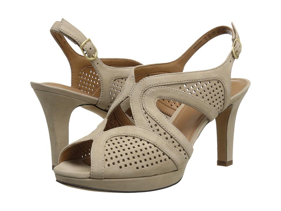 Clarks - Delsie Grace (Light Tan Nubuck) High Heels