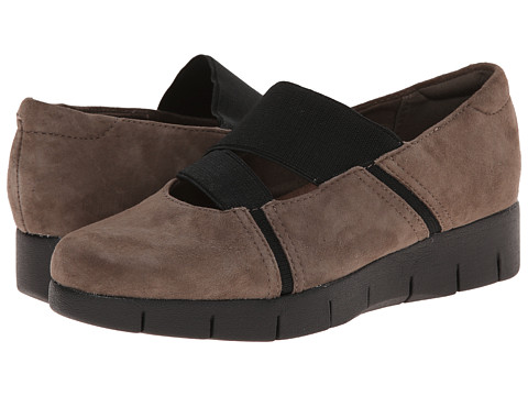 Clarks - Daelyn Villa (Mushroom Suede) Women's Shoes