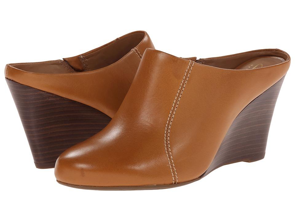 Clarks - Santee Charm (Cognac Leather) Women