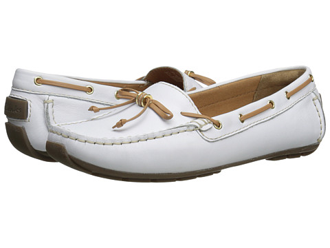 Clarks - Dunbar Groove (White Leather) Women's Slip on Shoes