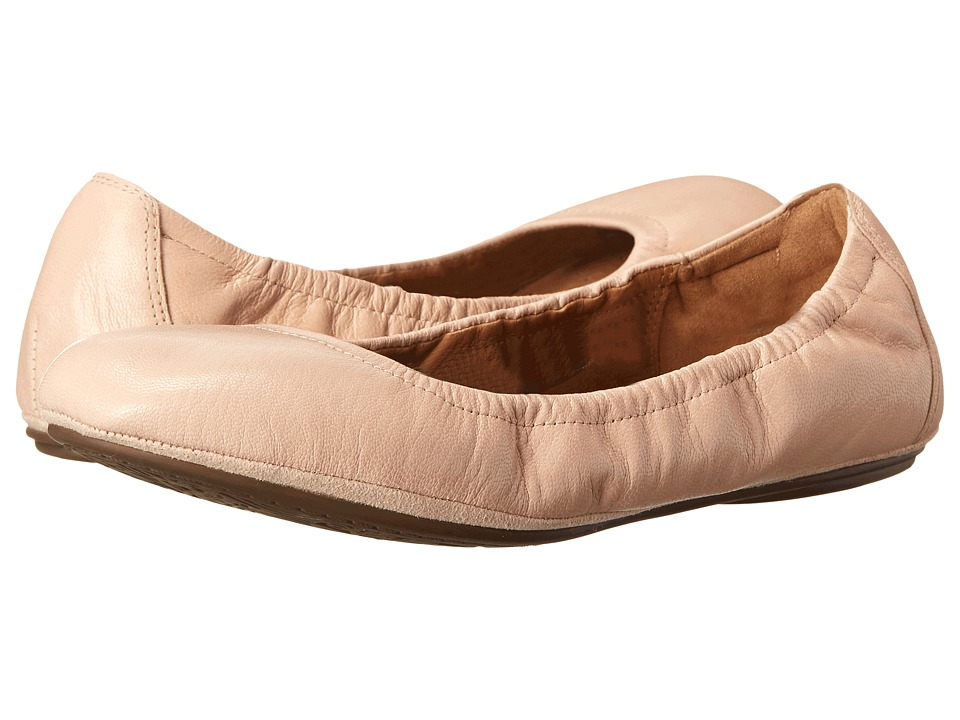 Clarks - Grayson Erica (Nude Leather) Women's Slip on Shoes