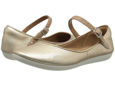 Clarks - Feature Film (Metallic Leather) Women