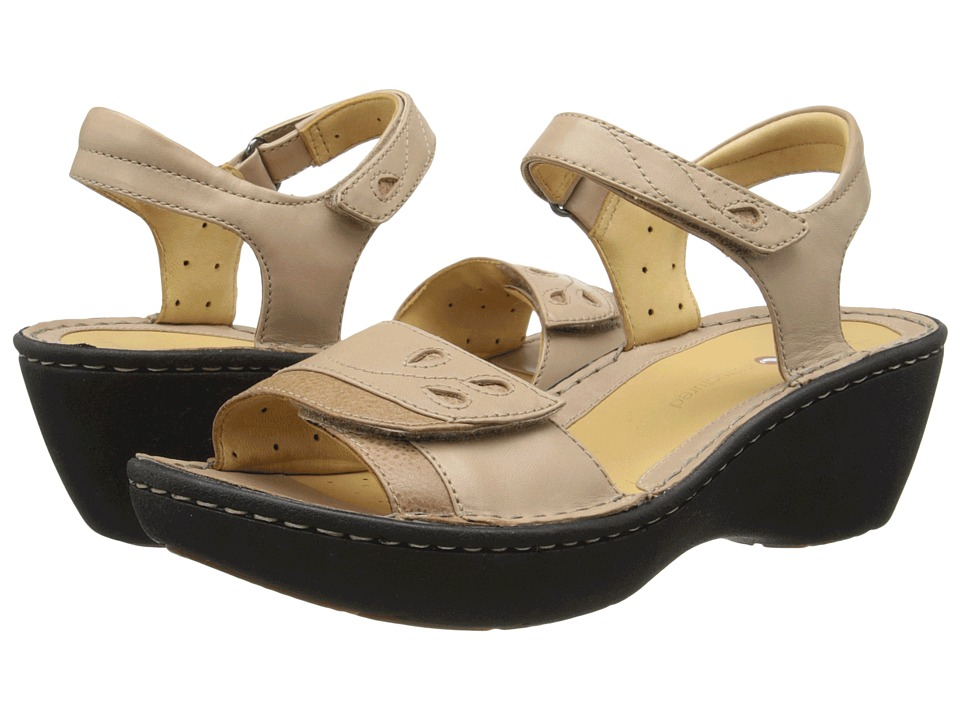 Clarks - Un Dory (Light Tan Leather) Women's Sandals