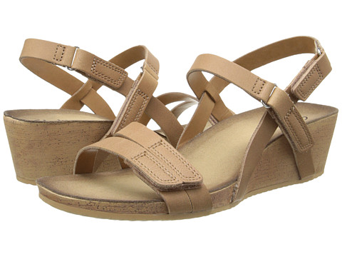 Clarks - Alto Gull (Beige Leather) Women's Sandals