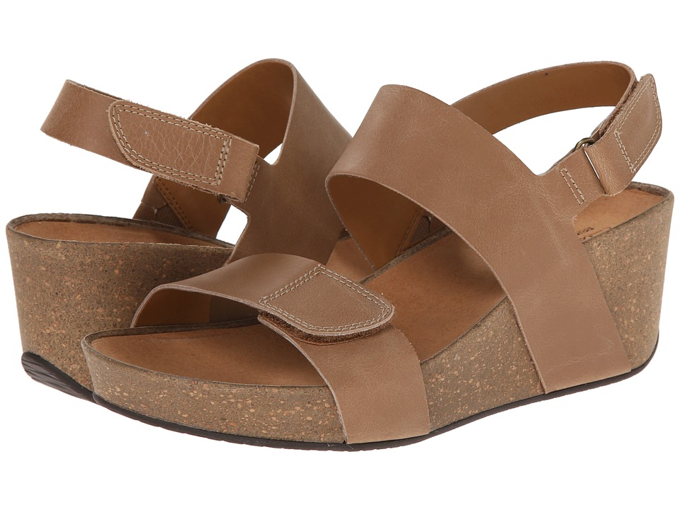 Clarks - Auriel Fin (Beige Leather) Women's Sandals