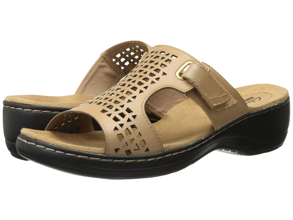 Clarks - Hayla Samoa (Nude Leather) Women's Sandals