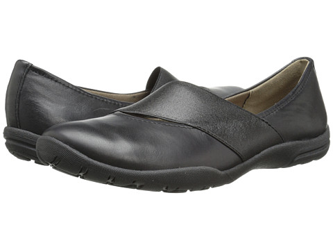 Clarks - Vailee Pine (Black Leather) Women's Flat Shoes