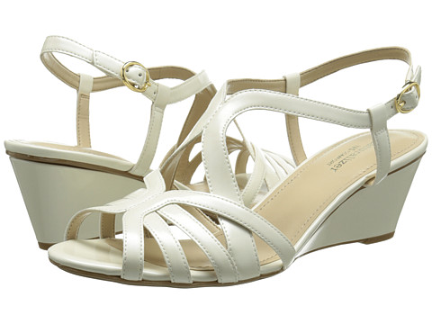 Naturalizer - Happening (White) Women's Wedge Shoes
