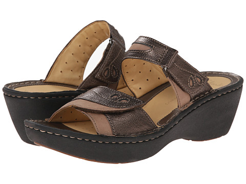 Clarks - Un Ames (Bronze Leather) Women's Sandals
