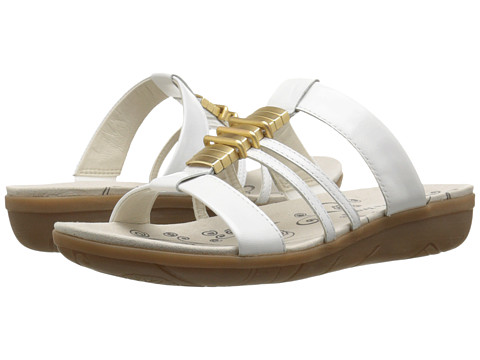 Bare Traps - Joyful (White) Women's Shoes