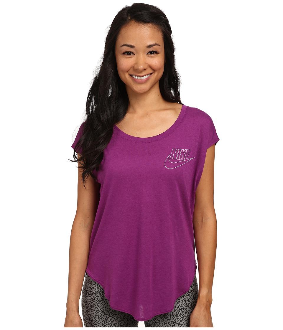 Nike - Signal Tee - Small Logo (Bold Berry/White) Women's T Shirt