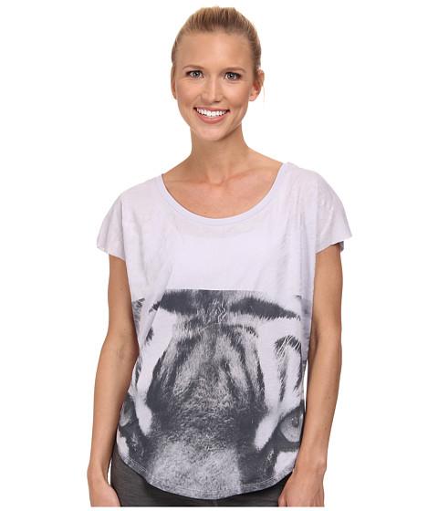 Nike - Signal Tiger Tee (Titanium/Bright Citrus) Women's T Shirt