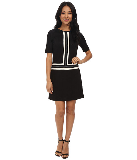 Maggy London - Color Block Novelty Shift w/ Chain Detail Dress (Black) Women