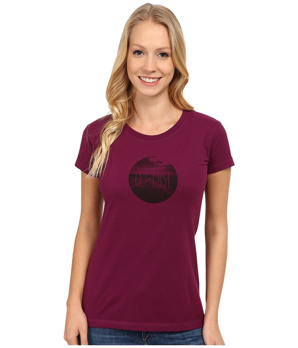 Mountain Hardwear - Get Lost S/S Graphic T-Shirt (Dark Raspberry) Women's T Shirt