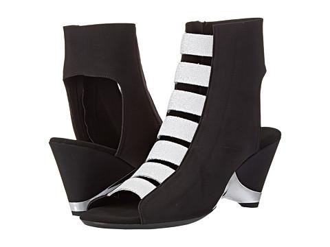Onex - Fara (Black/Silver) Women's Wedge Shoes