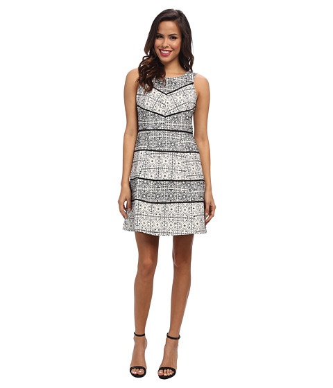 Jessica Simpson - Sleeveless Fit and Flare Dress w/ Lace Panels and Piping (White/Black) Women's Dress