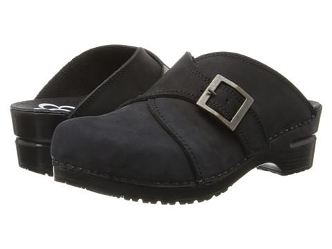 Sanita - Original Chipawa (Black) Women's Clog Shoes