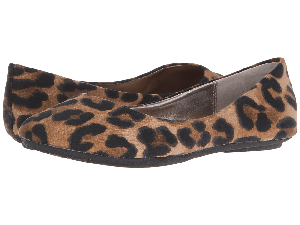 Steve Madden - P-Heaven (Leopard Fabric) Women's Flat Shoes
