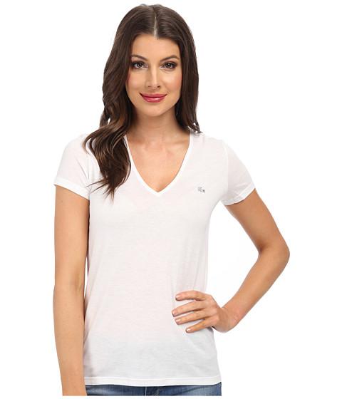 Lacoste - Short Sleeve Classic V-Neck Tee (White) Women