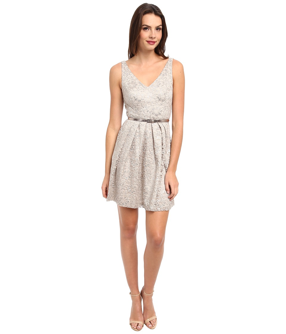 Donna Morgan - V-Neck Short Shimmer Lace Dress w/ Belt (Sandstone) Women's Dress