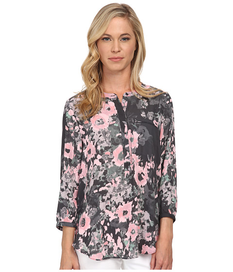 NYDJ Petite - Petite Solid 3/4 Sleeve Pleat Back (Floral Painting) Women's Long Sleeve Pullover