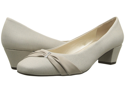 Easy Street - Evie (Oatmeal Linen w/ Mushroom Overlay) Women's Shoes