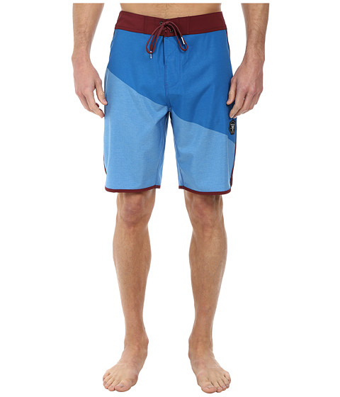 VISSLA - Layback Boardshort (Royal Wash) Men