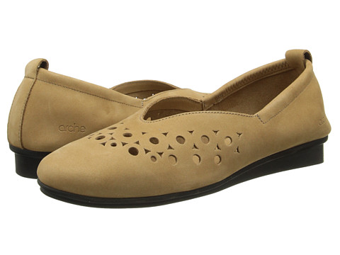 Arche - Nityka (Fauve) Women's Flat Shoes