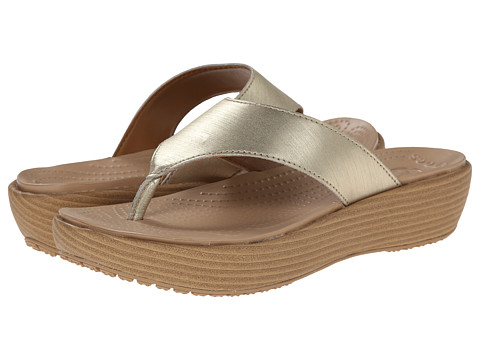 Crocs - A-Leigh Brushed Metallic Flip (Gold) Women