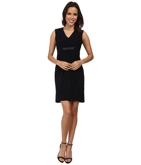 Ivy & Blu Maggy Boutique - Sleeveless V-Neck Solid Draped Front Dress (Navy) Women's Dress